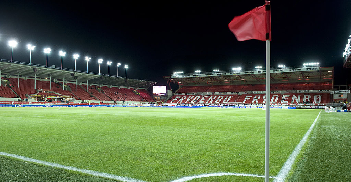 Jugadores de un equipo noruego organizaron una orgía en pleno estadio
