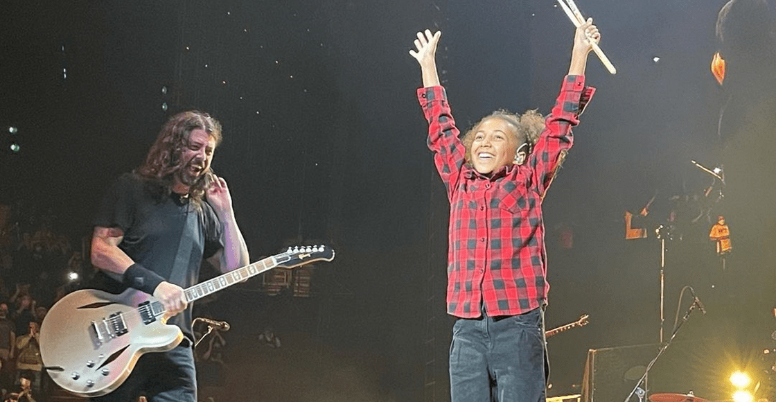 Epic!  Nandi Bushell finally met Dave Grohl and played with the Foo Fighters