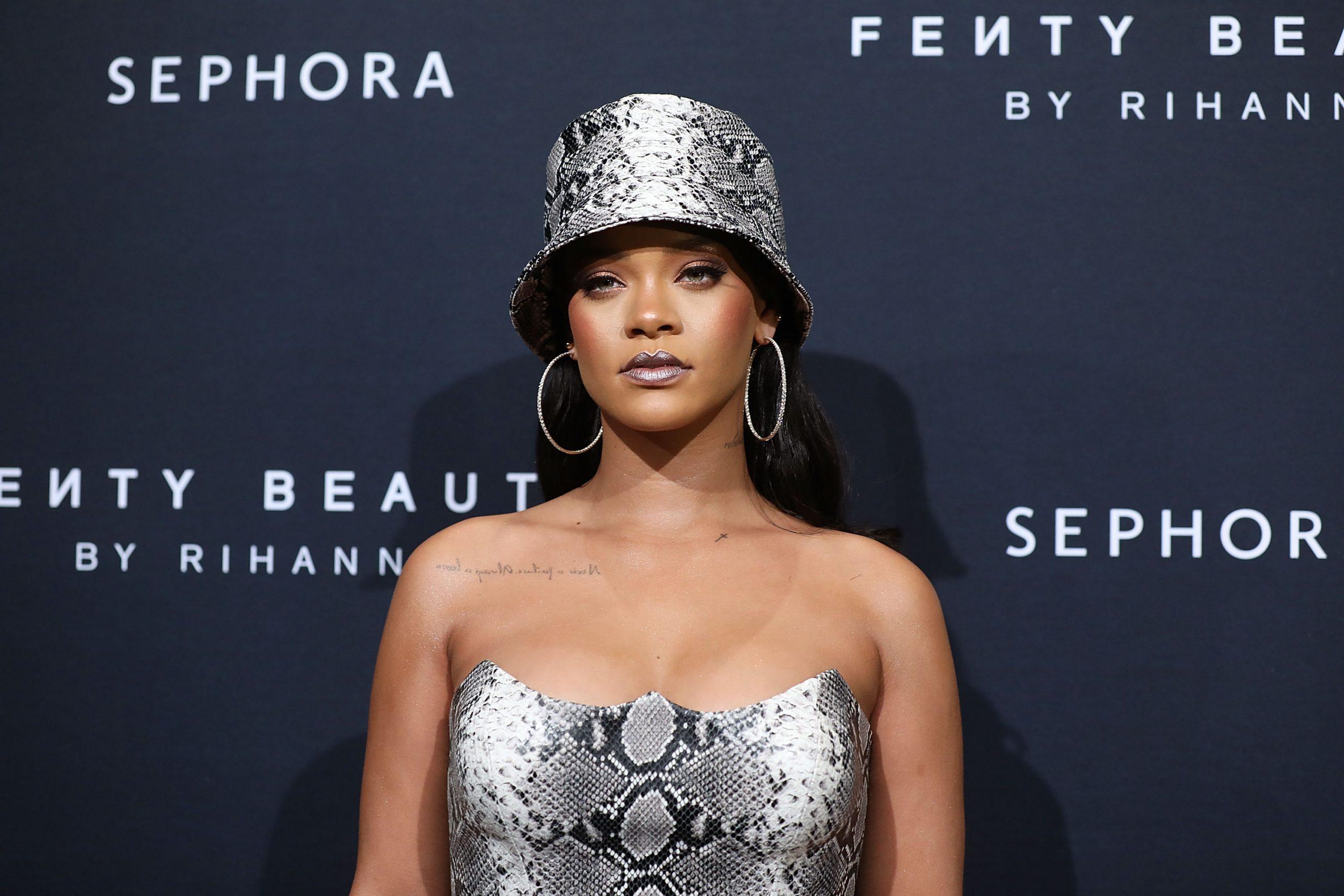Rihanna se convierte oficialmente en billonaria según ForbesRihanna se convierte oficialmente en billonaria según Forbes