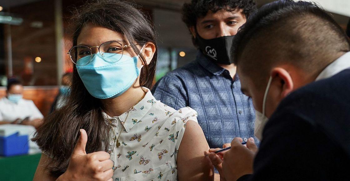 vacunacion-Nezahualcoyotl-libros-disfraces
