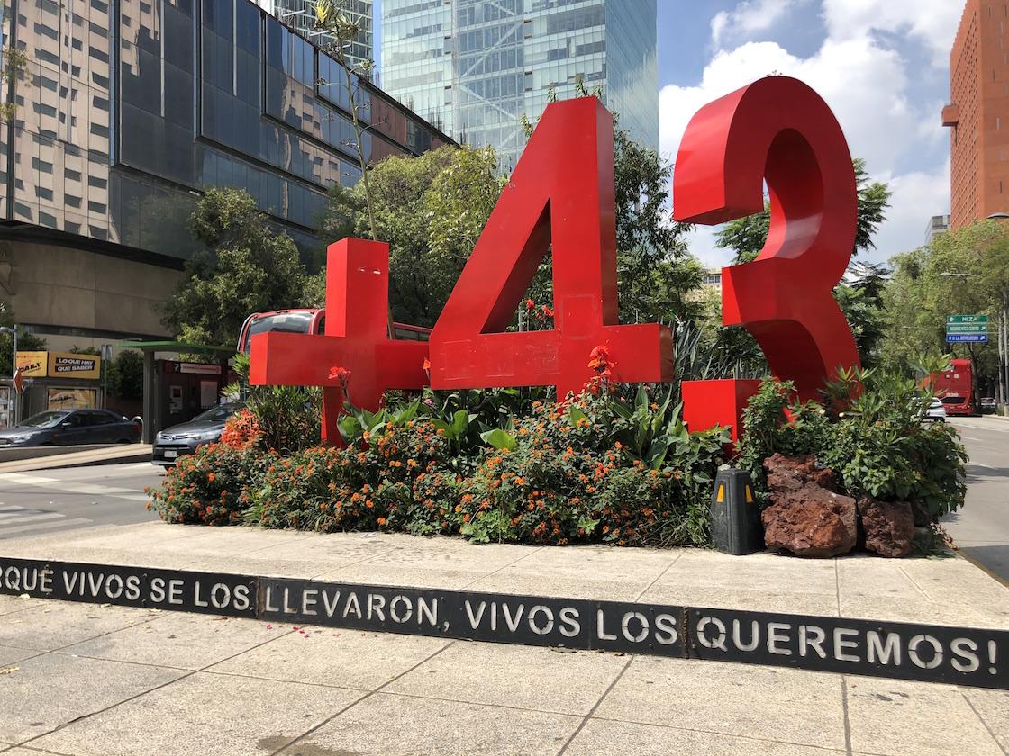4-Antimonumento-Ayotzinapa