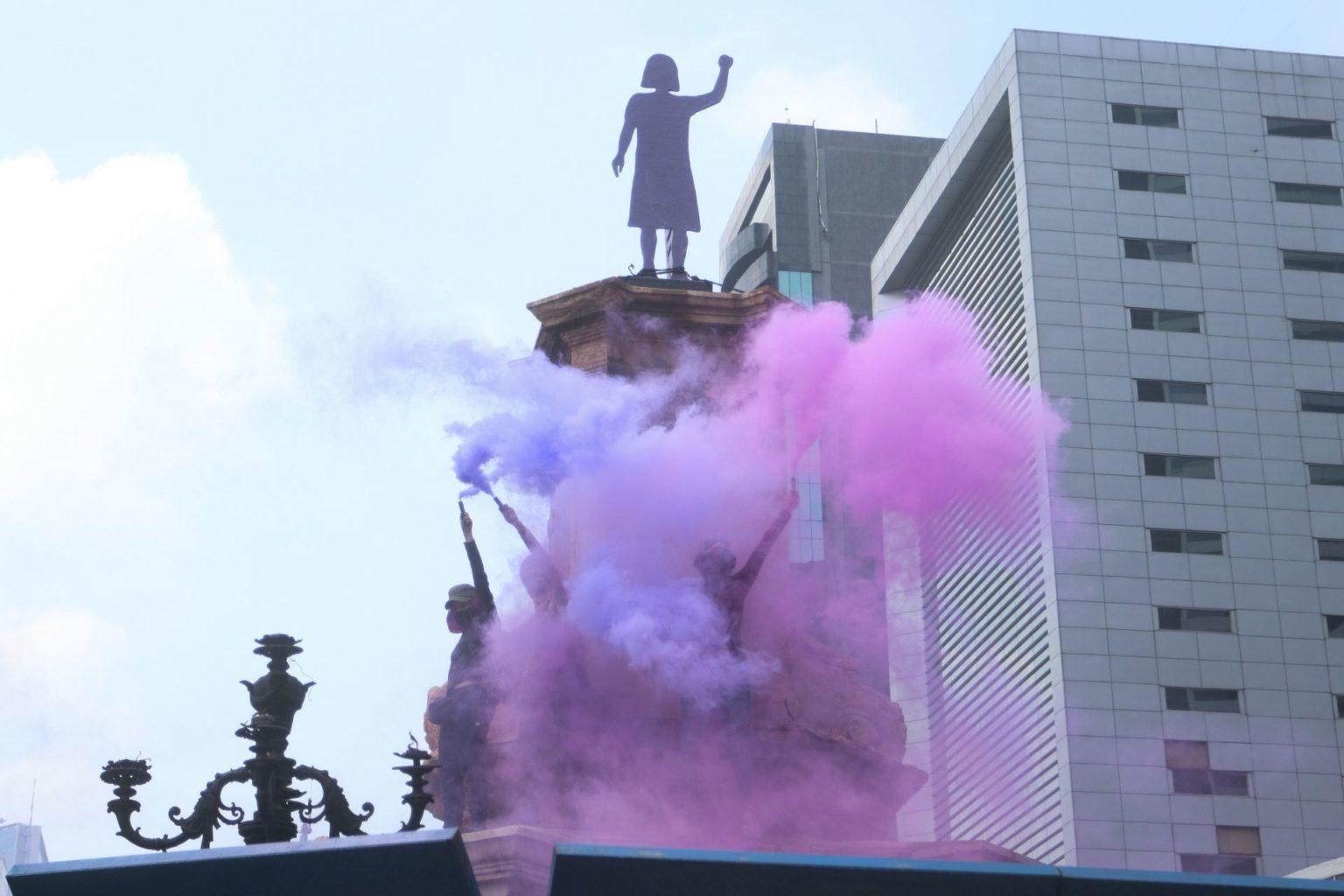 Antimonumento feminista podría quedarse permanentemente en exglorieta de Colón: Claudia Sheinbaum