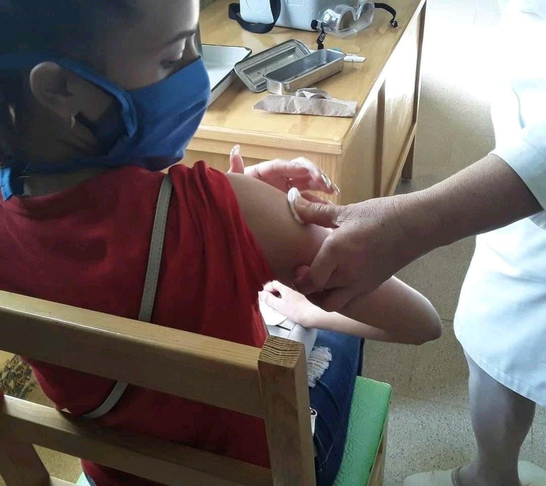 En Cuba ya inició la vacunación contra COVID-19 en menores de 2 a 18 años
