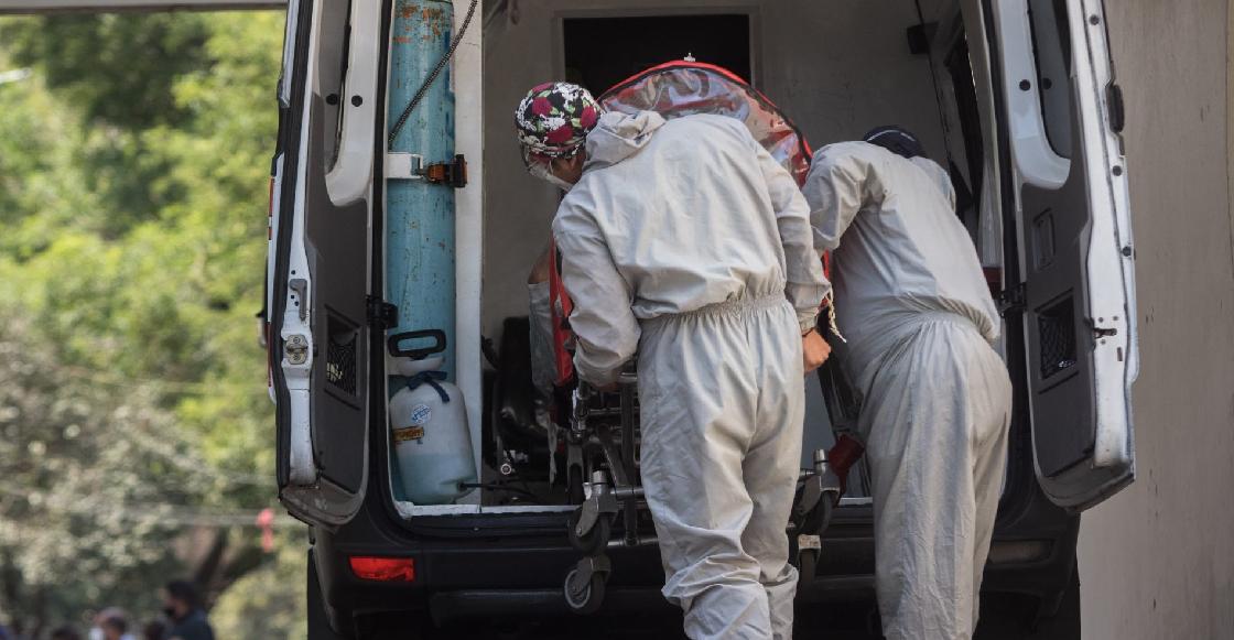 Despiden a paramédicos de Yucatán por bailar junto al cadáver de una mujer que murió por COVID-19