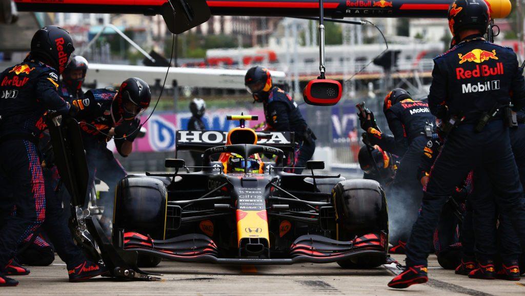 La errónea estrategia de Red Bull que le costó el podio a Checo Pérez en el GP de Rusia