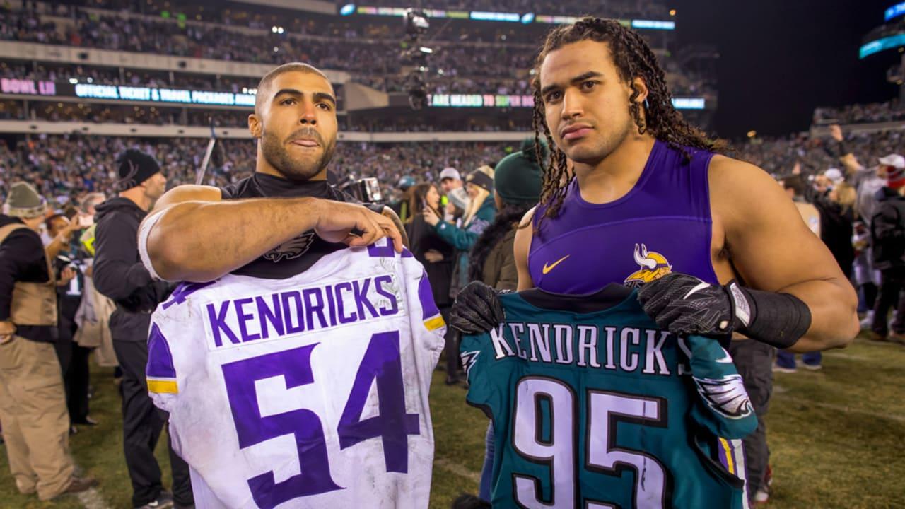Mychal Kendricks vs Eric Kendricks en partido de NFL