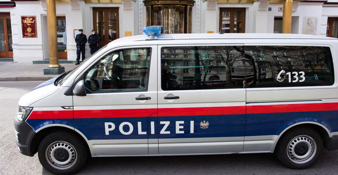 Mummy-Mom-Pension-Police-Austria