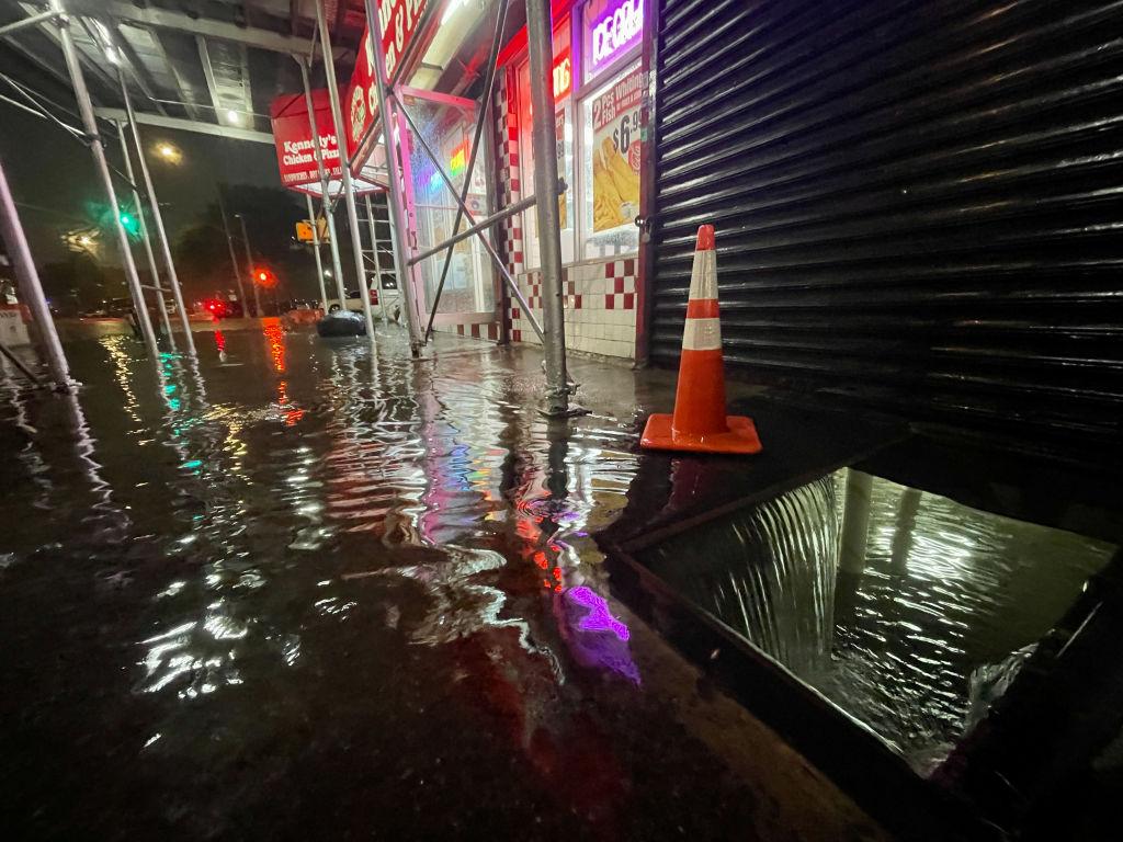nueva-york-inundaciones-calles-estado-emergencia