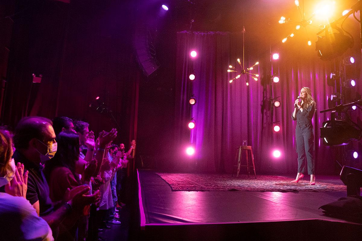 'Lo volvería a hacer': El nuevo especial de comedia de Sofía Niño de Rivera para Amazon Prime Video filmado en Nueva York