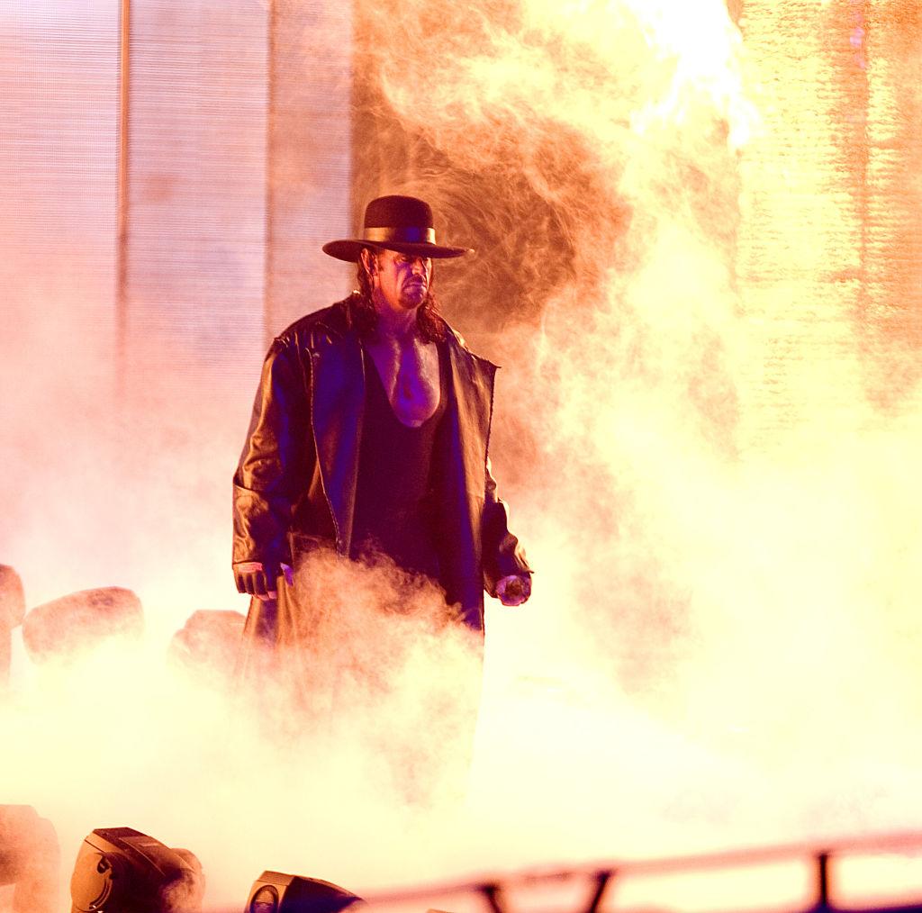 Undertaker en su presentación con WWE