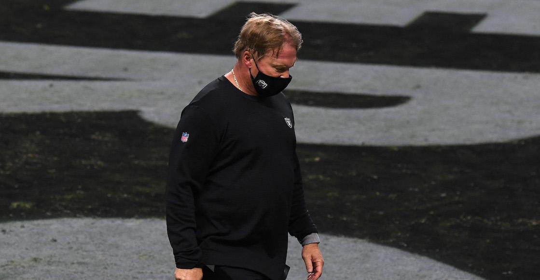 Jon Gruden queda fuera de los Raiders tras escándalo de mails con contenido y lenguaje racista