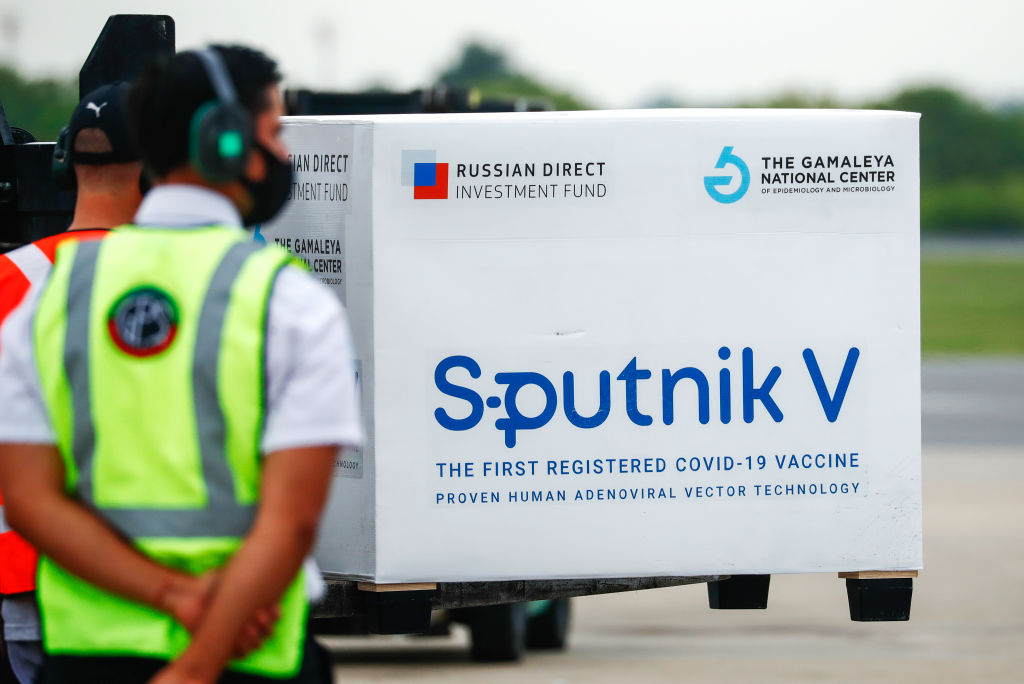 They guarantee in Russia that the WHO is very close to approving Sputnik 5
