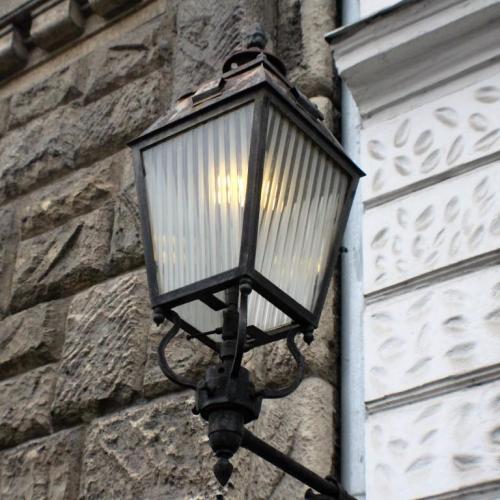 Amikor a szilveszteri fényjátékot a gázlámpák hangulata adta Sopronban