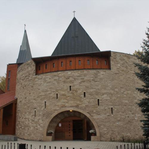Szent Imre napi szentmise a Jereván lakótelepen