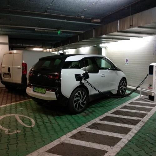 Egyre több helyen tölthetünk elektromos autót Sopronban