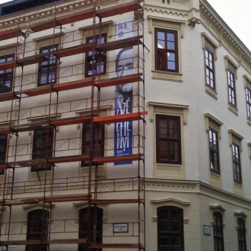 """Új homlokzat és """"épületbanner"""" a Széchenyi gimin!"""