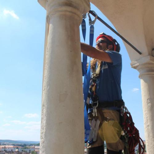 Kirabolták! Segítséget kér Sopron egyik legismertebb favágója!