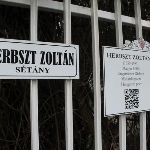 Qr-kóddal ellátott utcanévtáblát avattak a Jereván lakótelepen