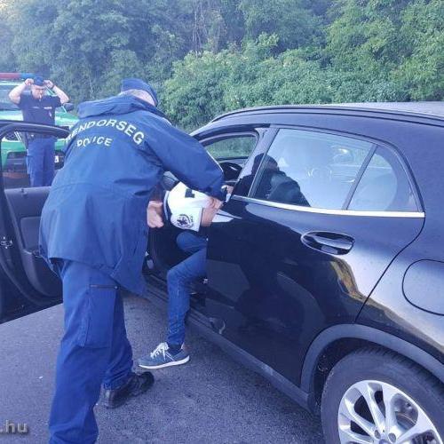 Elfogták az olasz embercsempészt a soproni rendőrök
