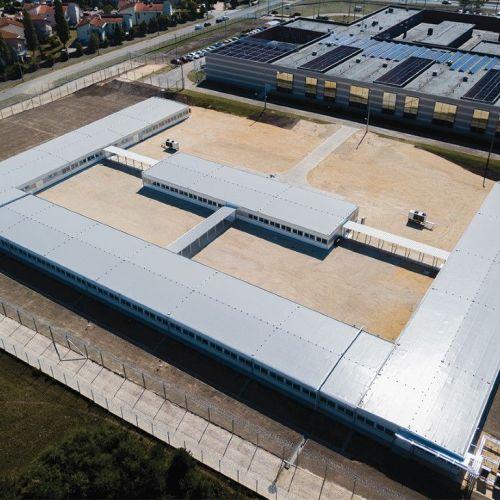 Tíz büntetés-végrehajtási intézetben 2750 új férőhely – megszűnik a börtönök túltelítettsége