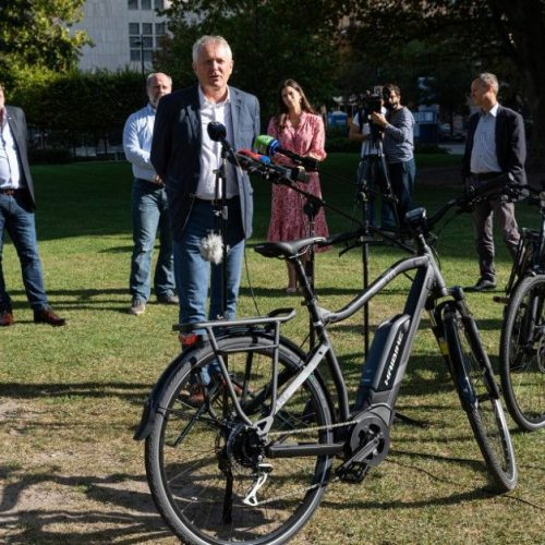 Elektromos rásegítésű kerékpárok vásárlására ír ki pályázatot a kormány!