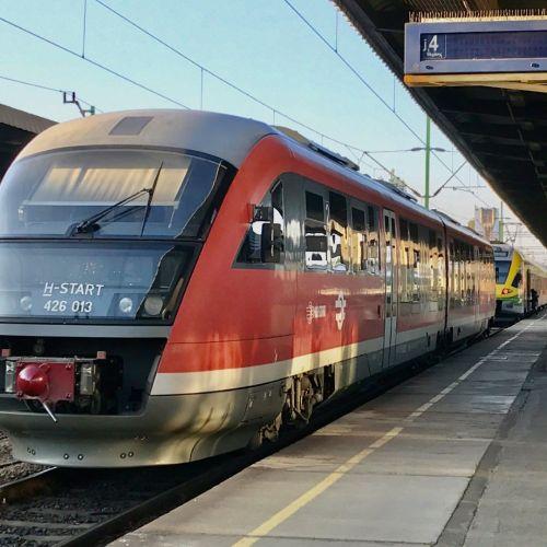 A közvetlen Sopron-Pécs vonat helyett gyorsabb és jobb szolgáltatást ígér a vasút