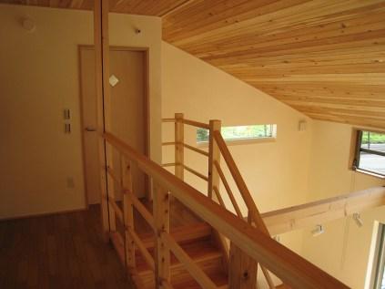 2階の階段ホール、廊下