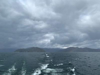 竹生島から龍神02