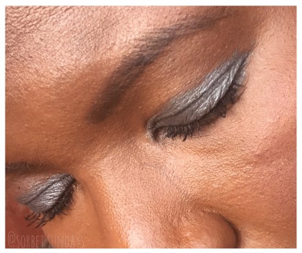 I used silver eyeshadow as an easy way to get a Christmas Makeup look. Click to see the 2 other colours I used to get my quick and easy Christmas looks.