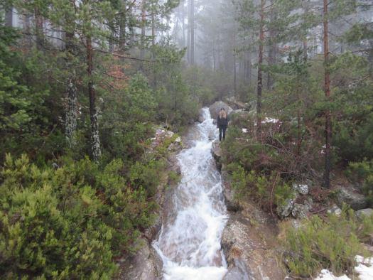 Cascadas en el camino de subida