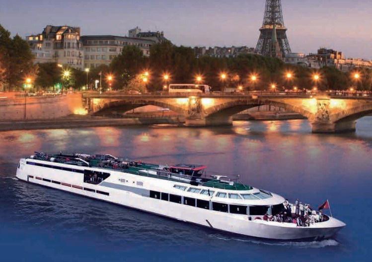 Le Vip Paris Yacht Hotel Sur La Seine Inaugure 6 Suites Avec Jacuzzi Sortiraparis Com
