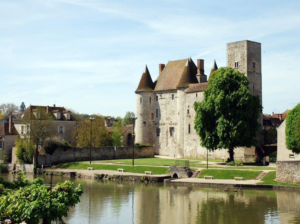château de Nemours GR13 section 1