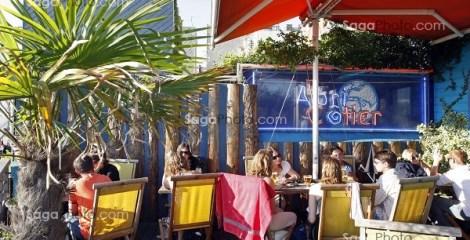 CAFE EN BORD DE PLAGE 'L'ABRI COTIER', LE HAVRE, SEINE-MARITIME (76), NORMANDIE, FRANCE // 'L'ABRI COTIER' CAFE ON THE BEACH, LE HAVRE, SEINE-MARITIME (76), NORMANDY, FRANCE