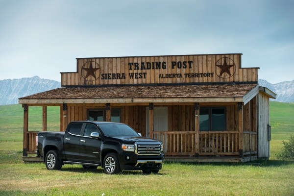2015-GMC-Canyon-truck-shotsSW-3