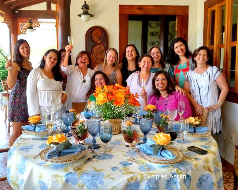 festa de aniversário das amigas em harmonia
