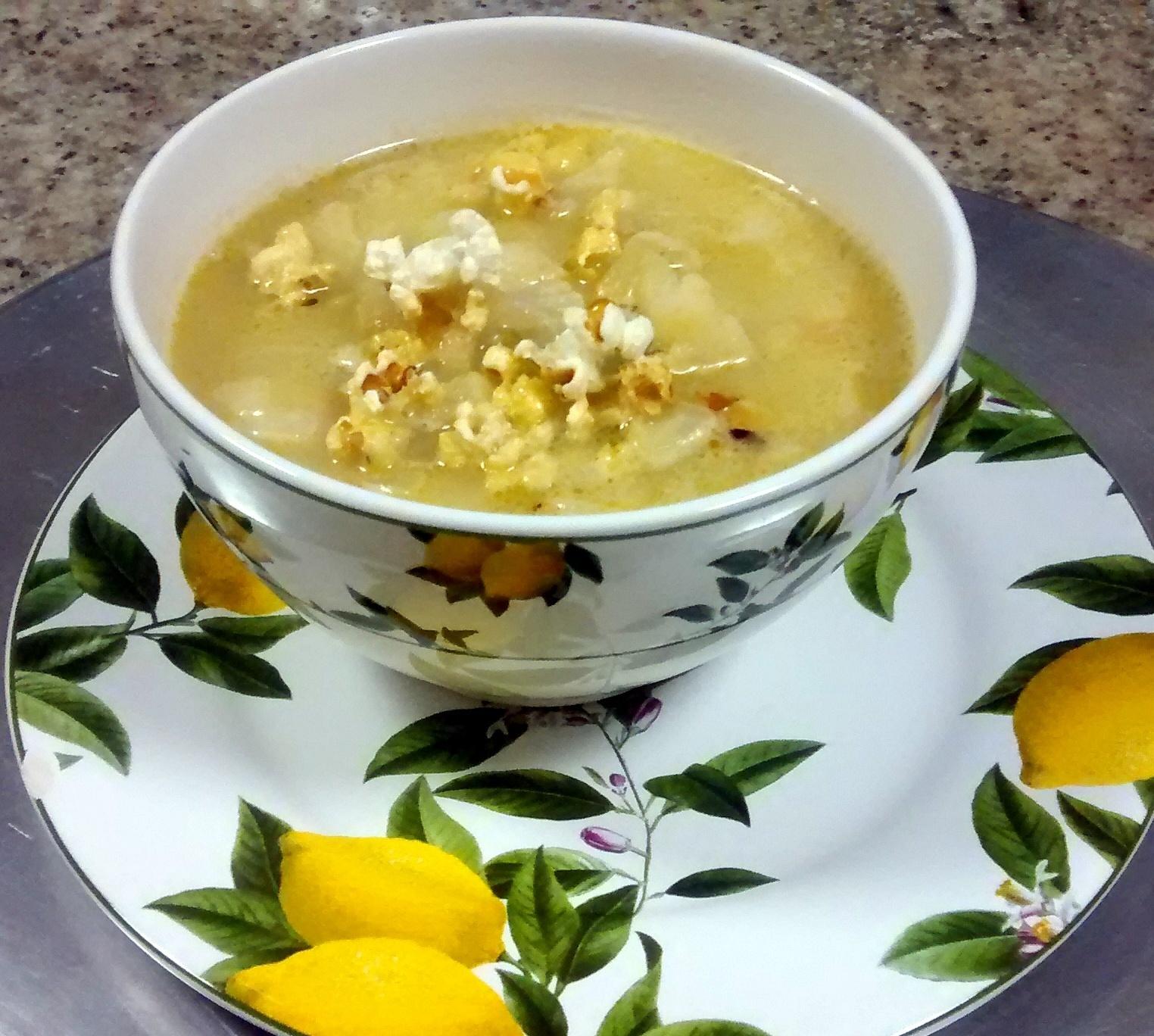 Essa sopa de couve-flor com gorgonzola é muito gostosa e nutritiva
