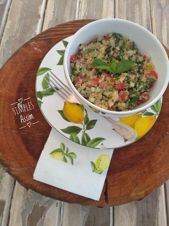 Esse Tabule de quinoa é saudável e gostoso.