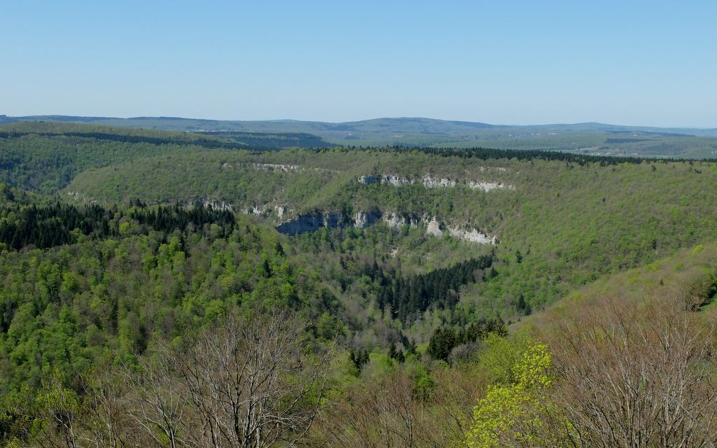 Vallée et gorges du Lison