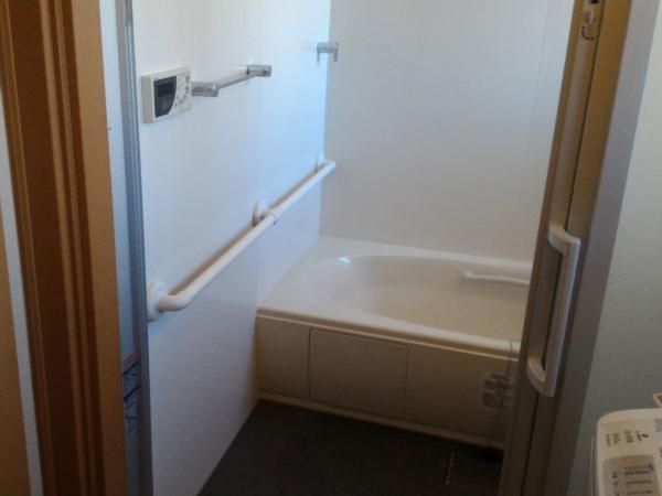 浴室手すり 介護用 手すり 取付け工事後