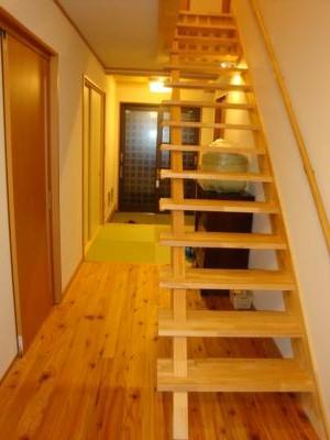 たたみのいえ 新築工事 階段・廊下