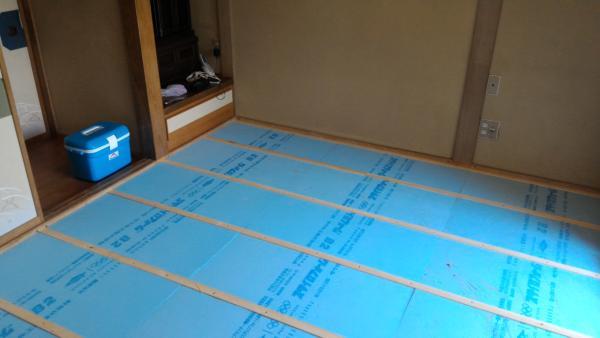 段差解消 和室 畳から フローリング に リフォーム 工事中