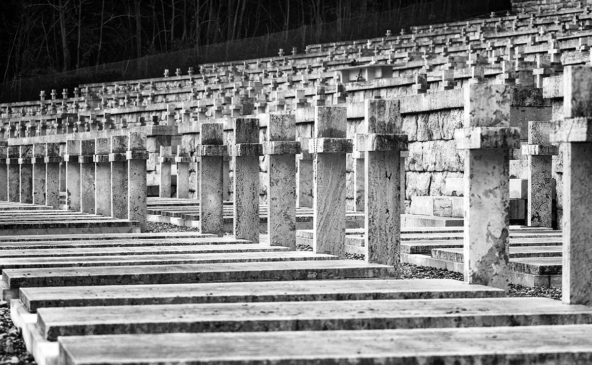 Croci del Cimitero di Montecassino. Foto di Sossio Mormile