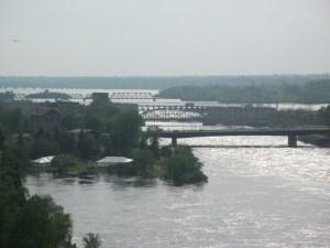 Ottawa de um lado; Gatineau do outro