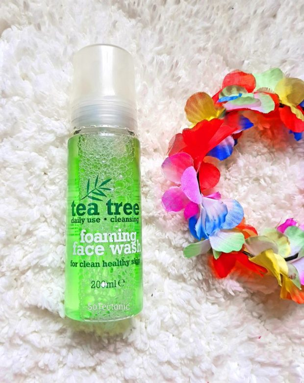 Tea Tree Foaming face wash