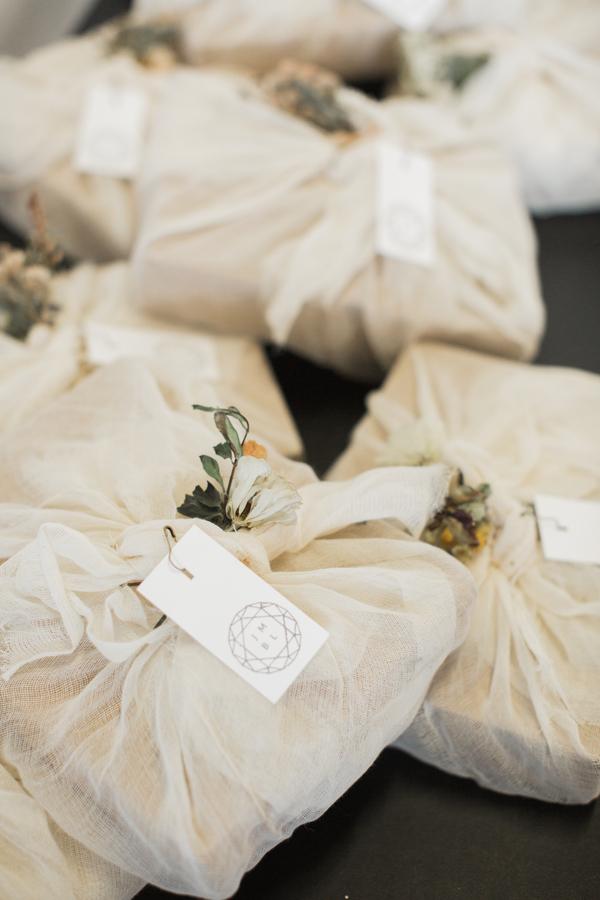 minimalist wedding day favors, plants