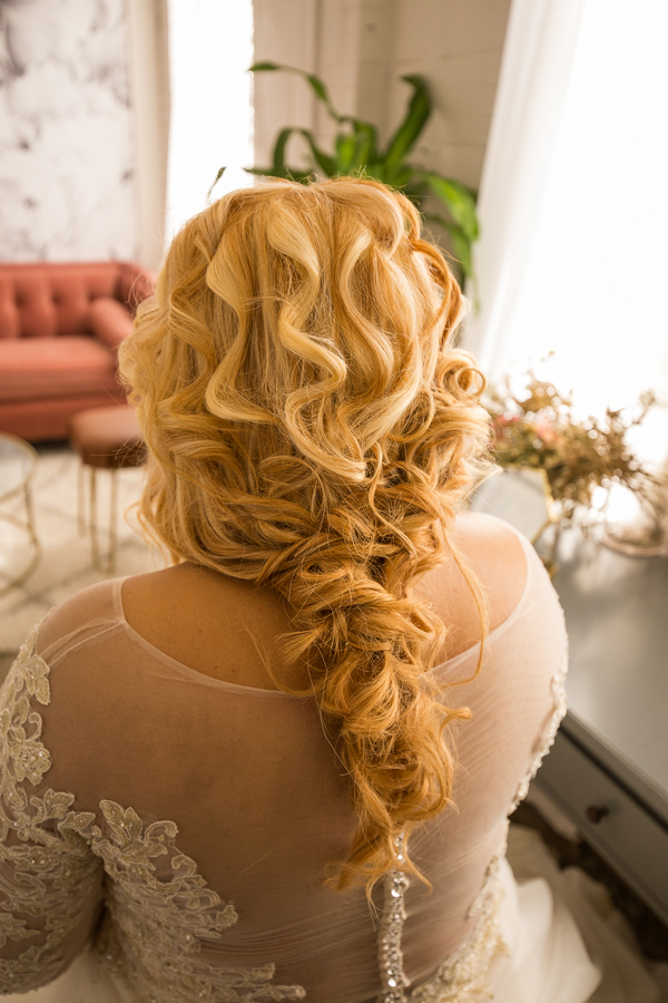 Long and wavy hairstyle for wedding