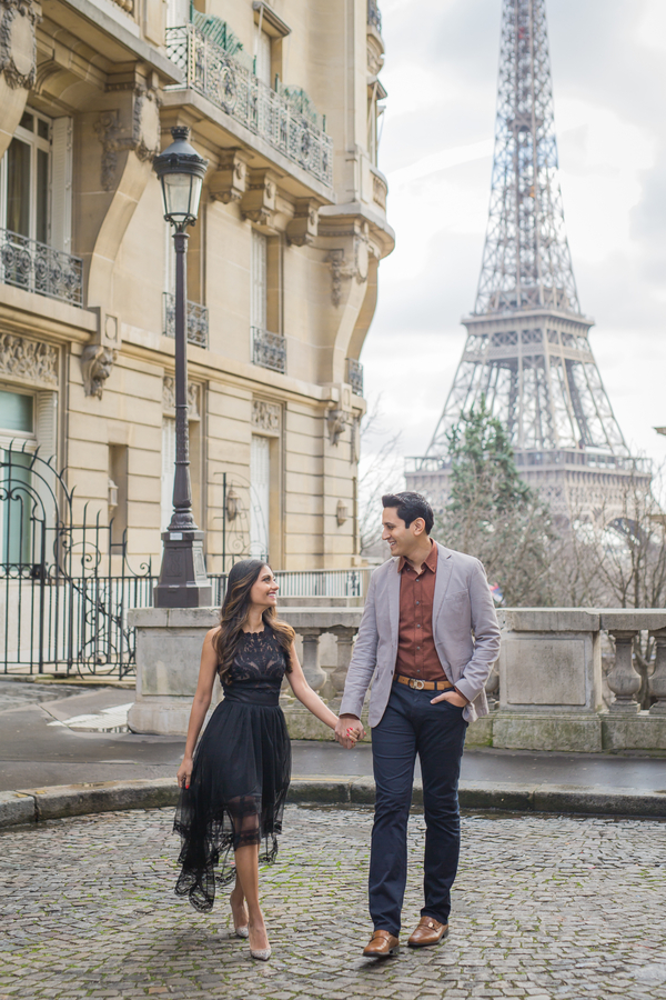 Paris Wedding Photographer, Paris Engagement Photographer, Engagement Photos in Paris, Outdoor Engagement Photo Poses