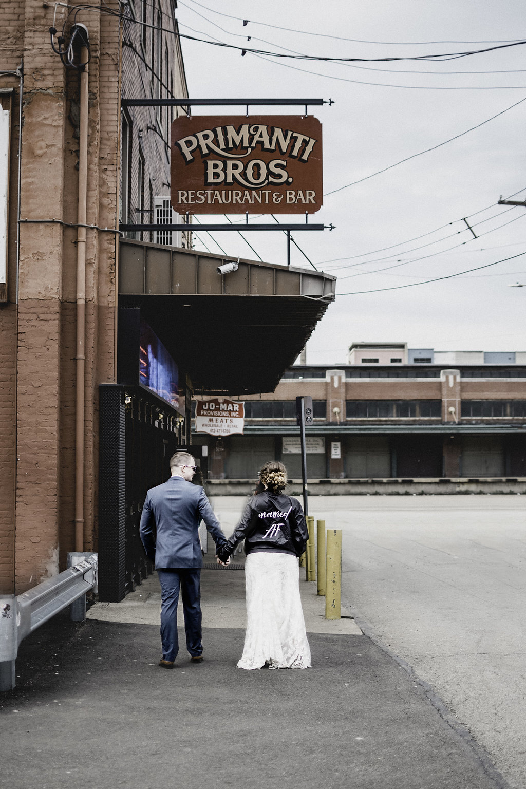 Wedding photos at Primanti Brothers Pittsburgh