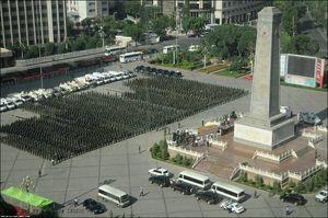 © Unknown -- Reakcja chińskiego rządu była zakrojona na ogromną skalę, ale też, jak zobaczyliśmy na wideo, uzasadniona.