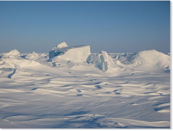 North Pole becomes covered in ice in 8 days - video ...
